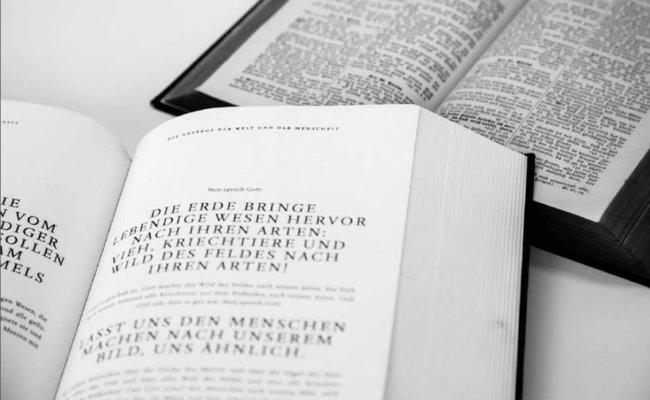 Bielefelder Bibel Aufgeschlagen für Header
